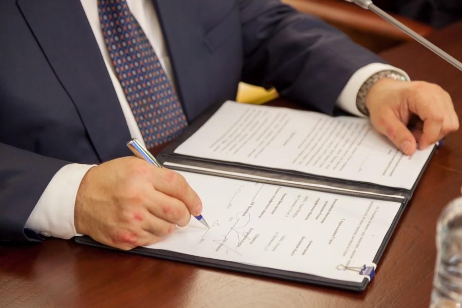 Доверенность в полицию от юридического лица образец – Доверенность на представление интересов и защиту прав гражданина в суде и других учреждениях и организациях (образец доверенности представителя)